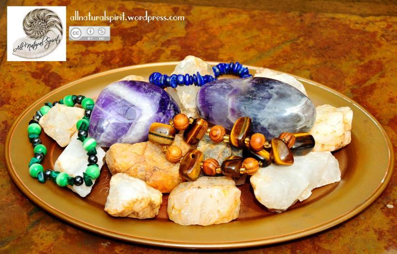 Crystals, Healing, Plate, polished, rough, raw, bracelet, malachite, cat's eye, haematite, hematite, tiger eye, wood, amethyst, lapis lazuli