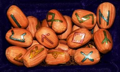 Rune, Norse, Viking, Germanic, Anglo-Saxon, Elder Futhark, Amulet, Talisman, Protection, Travel, Fehu, Uruz, Thurisaz, Ansuz, Raido, Kaunan, Gebo, Wunjo, Hagalaz, Haudiz, Isa, Jera, Ihwaz, Perth, Algiz, Sowilo, Tiwaz, Brekanan, Ehwaz, Mannaz, Laguz, Ingwaz, Othila, Dagaz, seed, diy